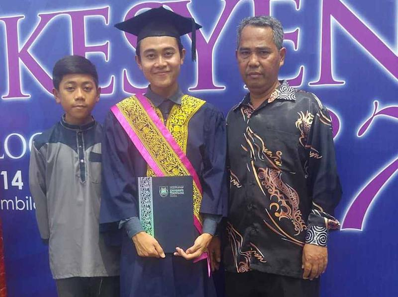 Hafizuddin graduated with a diploma in microbiology from Universiti Teknologi Mara, where he also received the prestigious Vice Chancellor's Award. — Picture from Twitter/hafizuddingh