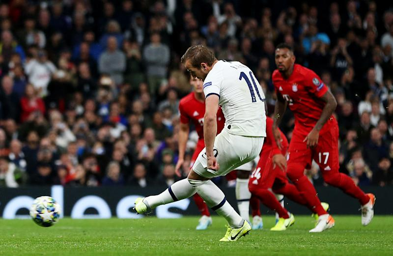 LONDON, ENGLAND - OCTOBER 01: Harry Kane of Tottenham Hotspur scores his team's second goal from the penalty spot during the UEFA Champions League group B match between Tottenham Hotspur and Bayern Muenchen at Tottenham Hotspur Stadium on October 01, 2019 in London, United Kingdom. (Photo by Tottenham Hotspur FC/Tottenham Hotspur FC via Getty Images)