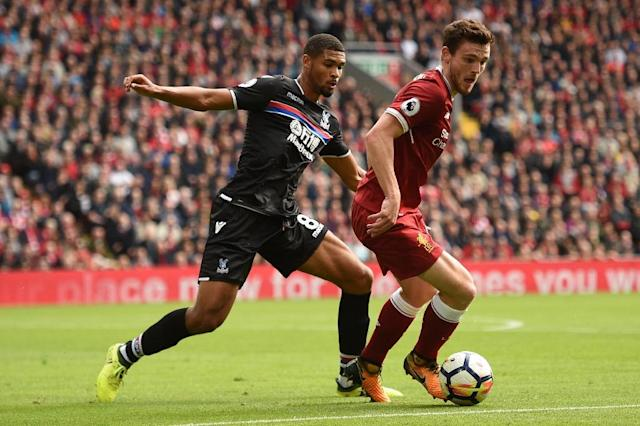 Liverpool's defender Andrew Robertson (R) vies with Crystal Palace's midfielder Ruben Loftus-Cheek during the English Premier League football match August 19, 2017 (AFP Photo/Oli SCARFF)