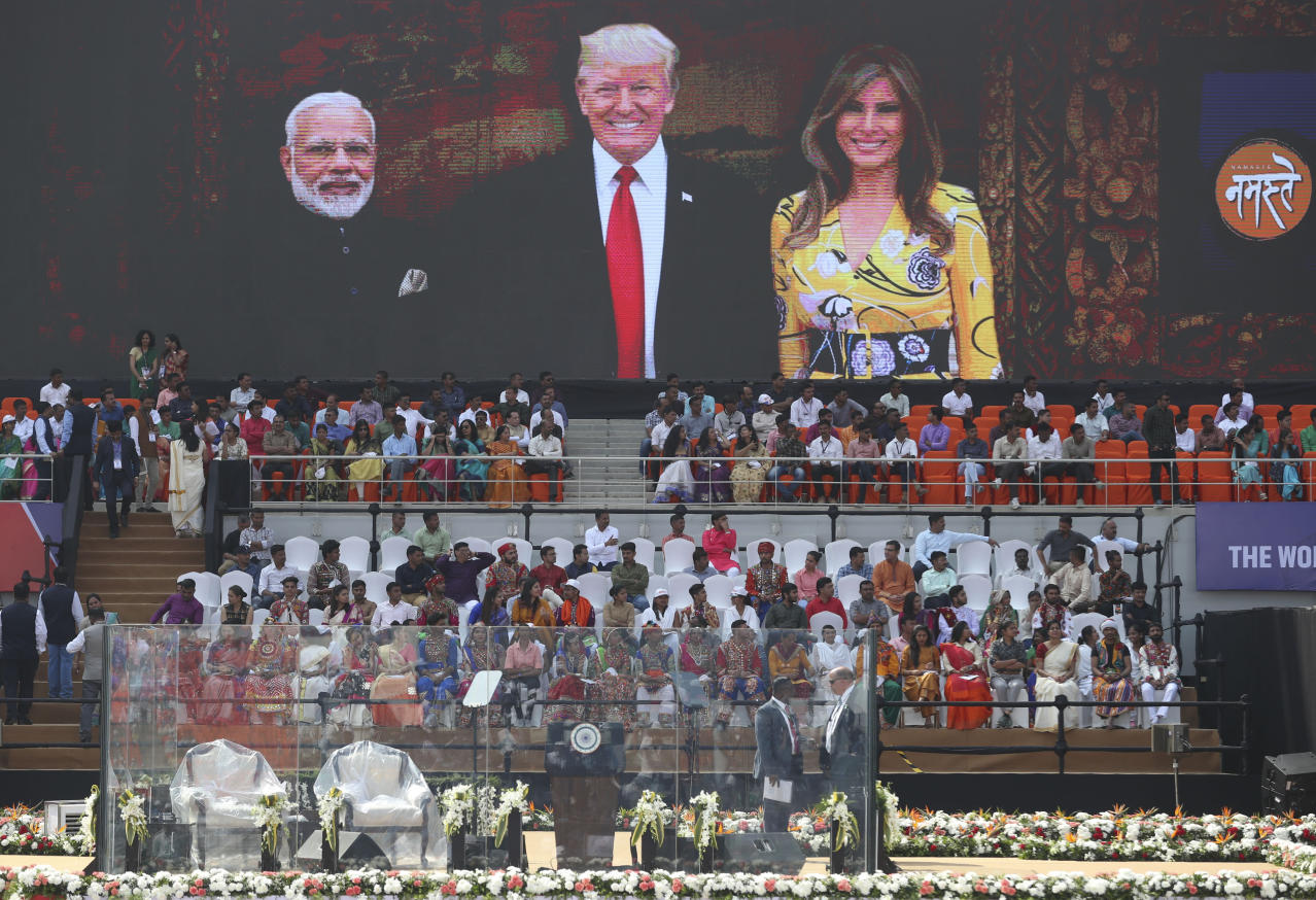 Trump receives warm welcome in India
