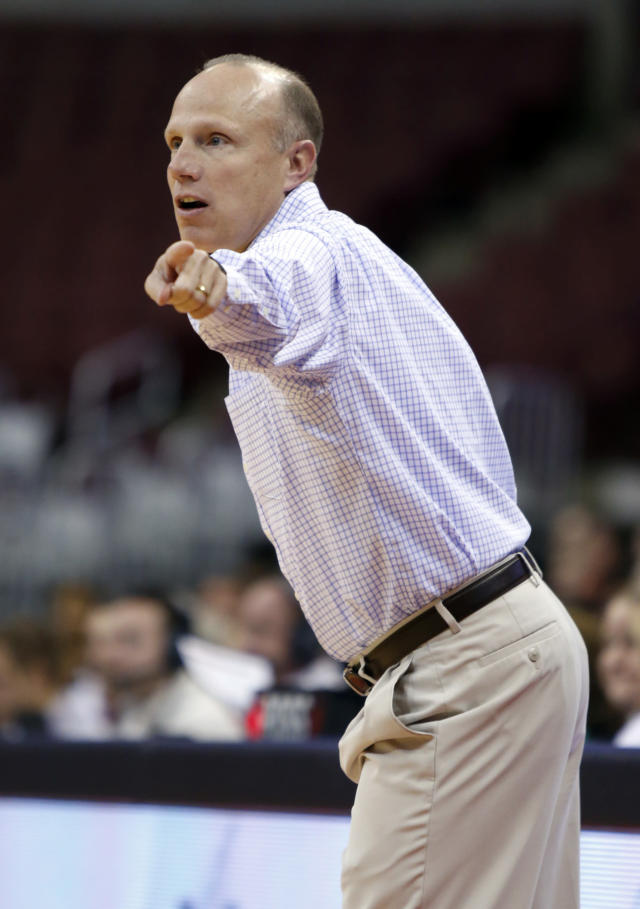Canisius coach Terry Zeh directs his team against Ohio State during the first half of an NCAA college basketball game in Columbus, Ohio, Sunday, Dec. 11, 2016. (AP Photo/Paul Vernon)