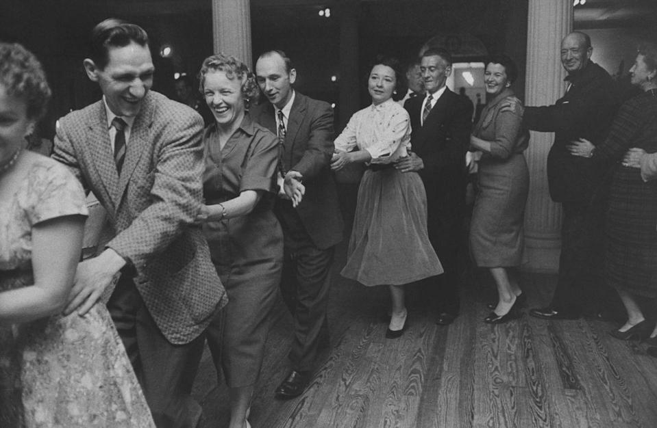 <p>Yes, the conga line was once VERY much in fashion and a sure way to heat up the dance floor. </p>