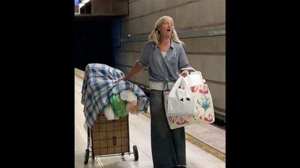 PHOTO: The Los Angeles Police Department posted this video to their Twitter account of a woman singing in the Los Angeles subway. (@LAPDHQ/Twitter)