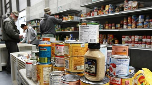 Federal Government, Charities Struggle to Combat Hunger