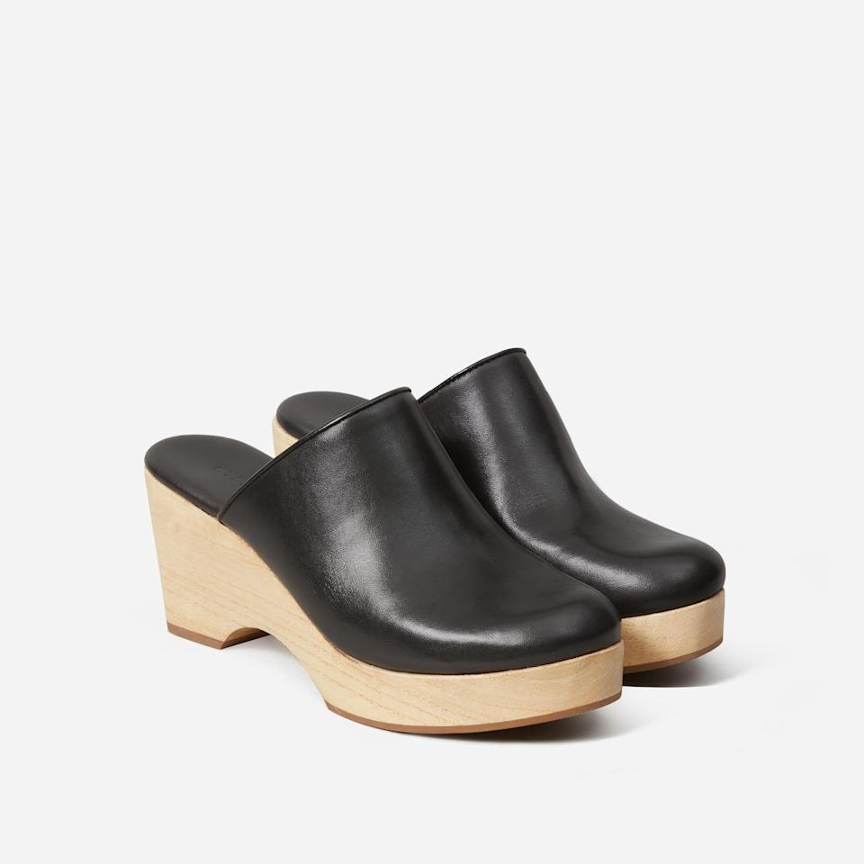 "Everlane's beloved clogs are made with 100% natural wood and premium leather — and they're pretty cute, too. <br> <br> <strong>Everlane</strong> The Clog, $, available at <a href=""https://go.skimresources.com/?id=30283X879131&url=https%3A%2F%2Fwww.everlane.com%2Fproducts%2Fwomens-clog-black%3Fcollection%3Dwomens-shoes"" rel=""nofollow noopener"" target=""_blank"" data-ylk=""slk:Everlane"" class=""link rapid-noclick-resp"">Everlane</a>"