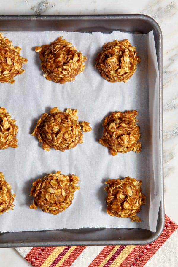 """<p>Not super into baking but craving cookies? These no-bake pumpkin goodies will cure all your cravings and more. Not only are they easy to make, but they're naturally sweetened with maple syrup meaning you won't feel weighed down from too much sugar.</p> <p><strong>Get the recipe:</strong> <a href=""""http://40aprons.com/no-bake-pumpkin-cookies/"""" class=""""link rapid-noclick-resp"""" rel=""""nofollow noopener"""" target=""""_blank"""" data-ylk=""""slk:no-bake pumpkin cookies"""">no-bake pumpkin cookies</a></p>"""