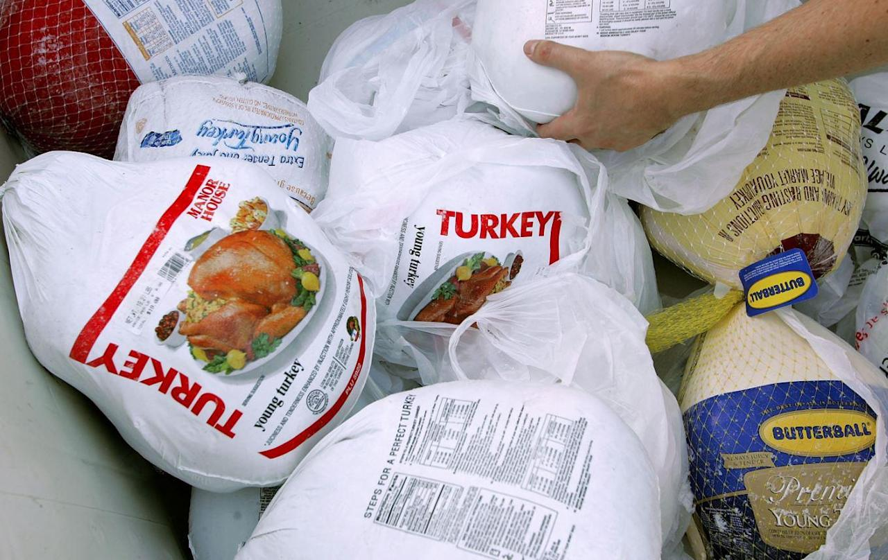<p>There's no major quality difference between a fresh and frozen turkey. If your grocery store is having a sale on frozen turkeys, then go for it. If you buy a fresh turkey, make sure that you're planning on cooking it within two or three days or else it can start to turn.</p>