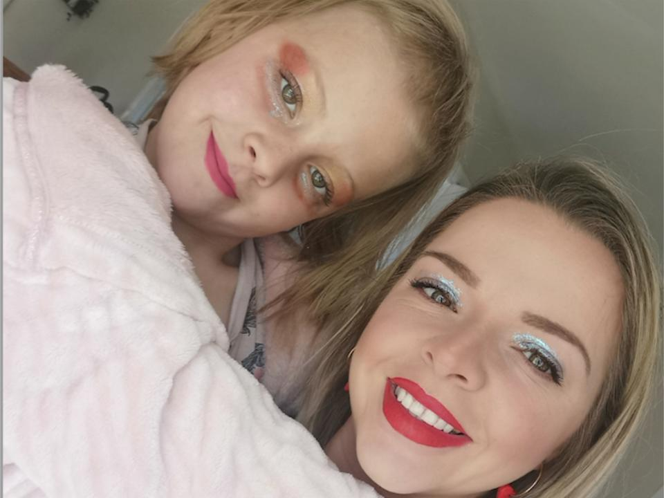 Megan George with her daughter Isla who has trichotillomania. (Megan George)