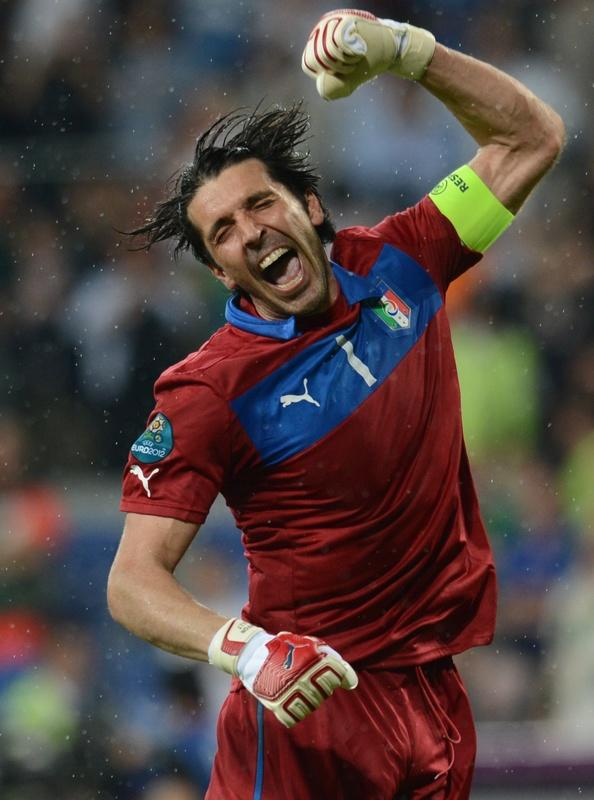 TOPSHOTS Italian goalkeeper Gianluigi Buffon celebrates at the end of the Euro 2012 football championships match Italy vs Republic of Ireland on June 18, 2012 at the Municipal Stadium in Poznan.  Italy won 0-2.  AFP PHOTO / FRANCISCO LEONGFRANCISCO LEONG/AFP/GettyImages