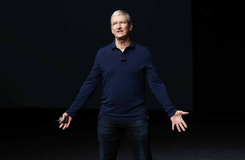 Apple CEO Tim Cook Receives More Praise for LGBT Rights Advocacy