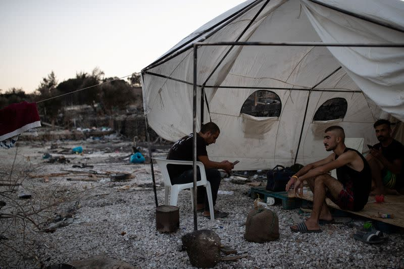 Greece resettling stranded migrants to tent camp on Lesbos