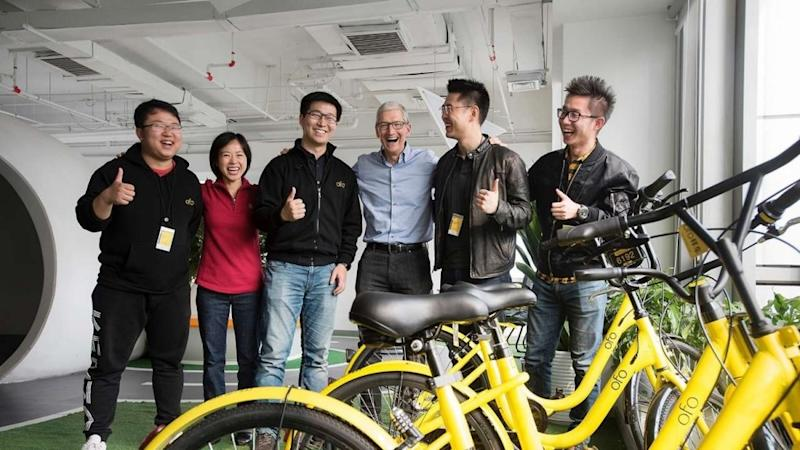 Tim Cook with ofo