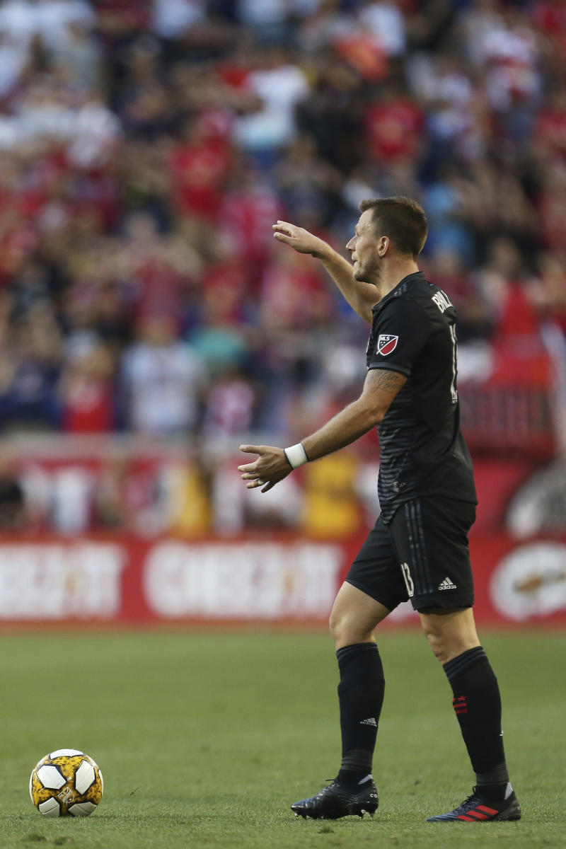 DC United scores twice late for 2-2 draw against Toronto FC