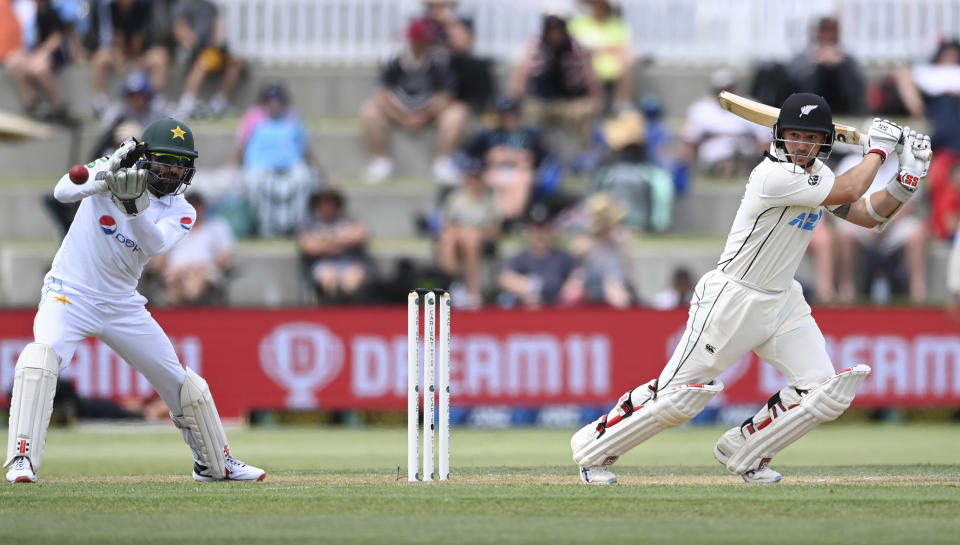New Zealand's BJ Watling batsduring play on day two of the first cricket test between Pakistan and New Zealand at Bay Oval, Mount Maunganui, New Zealand, Sunday, Dec. 27, 2020. (Andrew Cornaga/Photosport via AP)