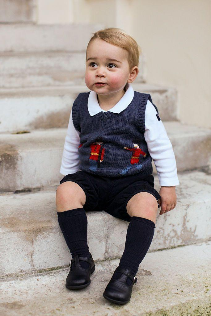 <p>How precious is this Christmas photo of Prince George, which was taken on the steps at Kensington Palace? The picture captures the youngster just a few months before he became a big brother to Princess Charlotte. </p>