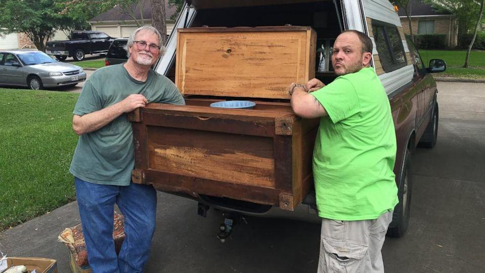 Texas Man Finds Treasure Hidden in Chest From Estate Sale (ABC News)