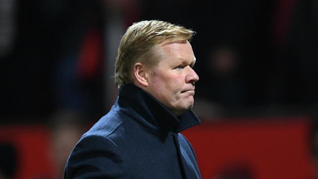Everton conceded a late penalty in a 1-1 draw at Manchester United in the Premier League on Tuesday, but Ronald Koeman praised his team.