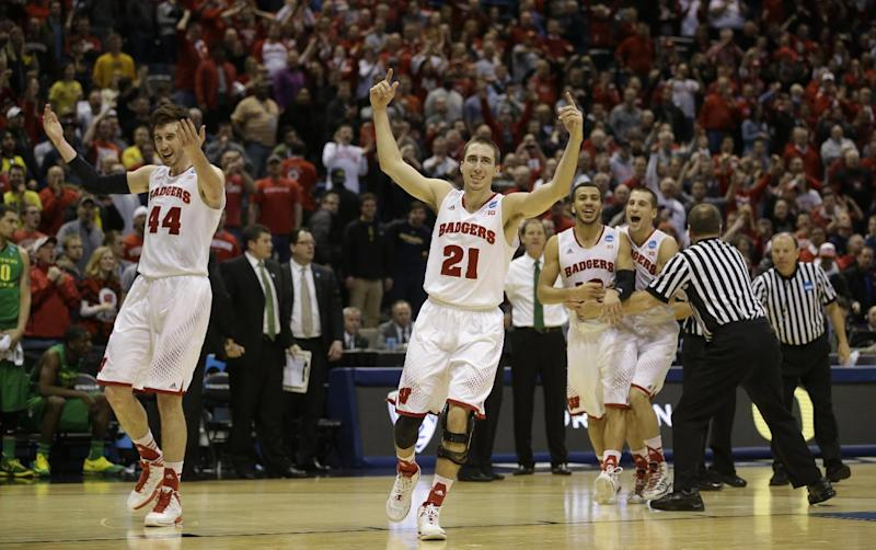 Wisconsin wins 85-77 thriller over Oregon