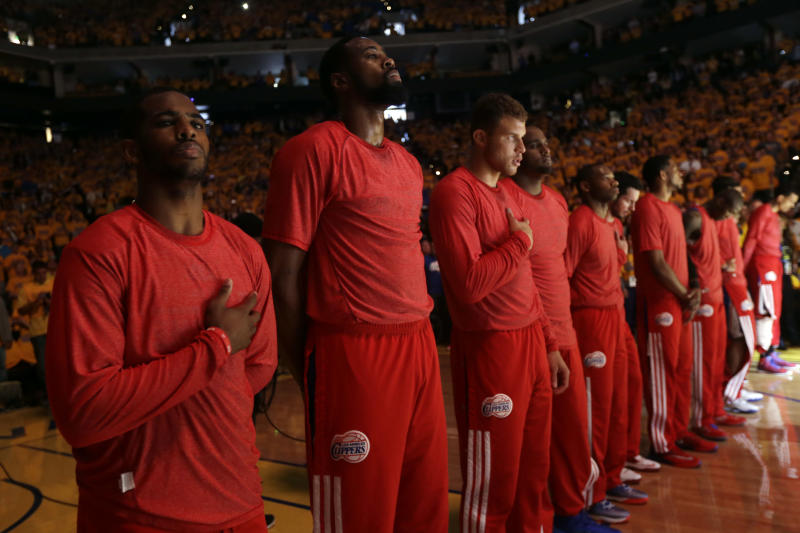Clippers stage silent protest to owner