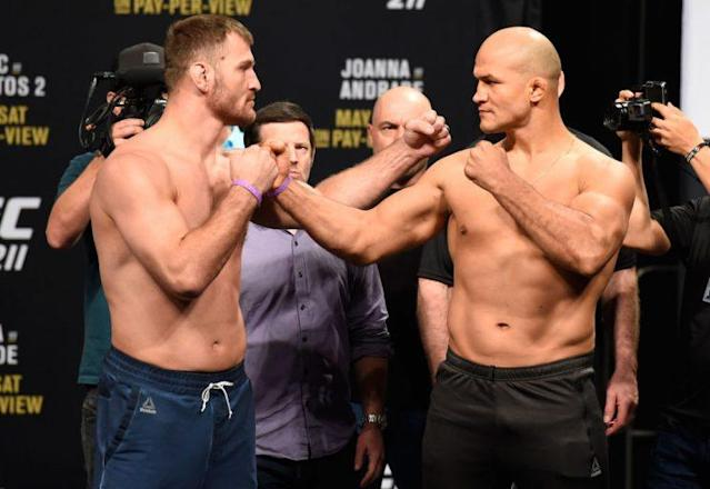 Stipe Miocic (L) lost to Junior dos Santos the first time they met on Dec. 13, 2014. (Getty)