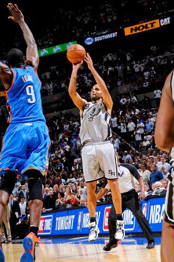 SAN ANTONIO, TX - NOVEMBER 1: Tony Parker #9 of the San Antonio Spurs hits the game winning shot at the buzzer against Serge Ibaka #9 of the Oklahoma City Thunder on November 1, 2012 at the AT&T Center in San Antonio, Texas