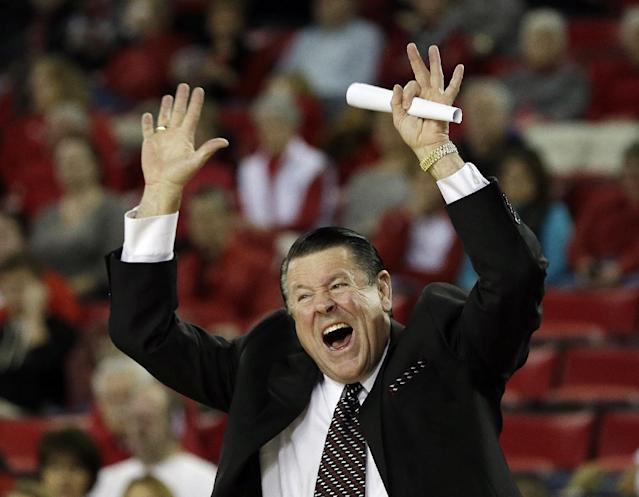 Georgia head coach Andy Landers yells from the sideline in the first half of an NCAA college basketball game against Tennessee, Sunday, Jan. 5, 2014, in Athens, Ga. (AP Photo/John Bazemore)