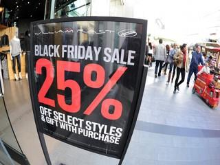 "Shopping. Seems like a pretty safe activity, except maybe for your credit card  balance. However, safety isn't always guaranteed when you participate in  Black Friday madness. Take heed.<br/> <br/>   <a rel=""nofollow"" href='http://www.pheedcontent.com/hostedMorselClick.php?hfmm=v3:6b679e6511a293ca3168bdb022914b5e:Aqqz1x%2BenU2Mv2o5BesidaE3ZsyYm4ZlCncmgUCgvKBgEKRFInYwHPGxs7G%2FxznydDlc%2BpeV833wtg%3D%3D'><img src='http://images.pheedo.com/images/mm/emailthis.png'  width=""150"" border='0' title='Email this Article' alt='Email this Article' /></a>   <a rel=""nofollow"" href='http://www.pheedcontent.com/hostedMorselClick.php?hfmm=v3:d7c225d75ae02968d354874a1830d526:h0cHKQTH7dgmpKK6O4n4DlXS1wDi95sNFoNFnu3ohn5joHJzSGXuOrazFu2V%2F%2BVrWO1%2BsmagkZu%2BwSo%3D'><img src='http://images.pheedo.com/images/mm/twitter.png'  width=""150"" border='0' title='Add to Twitter' alt='Add to Twitter' /></a>   <a rel=""nofollow"" href='http://www.pheedcontent.com/hostedMorselClick.php?hfmm=v3:400dbb7e914574a5bf3ae16f6134509f:t%2Bvm5%2FKgOlrlmEjdMg%2FrFXeEsDfgt3nQhX94jMCLBQ9dVcusigRkgpXK5XMZnqJZseDhTZ9PtlQTcIk%3D'><img src='http://images.pheedo.com/images/mm/facebook.gif'  width=""150"" border='0' title='Add to Facebook' alt='Add to Facebook' /></a>   <a rel=""nofollow"" href='http://www.pheedcontent.com/hostedMorselClick.php?hfmm=v3:33738778b7eb88d0fce4ffcd41b683e3:vfYq4m1E6AAsIr6Rxvx%2FtxOq5EuRu7n6DbKNjmzREHfkLMtYnDiSMUut3m07WO%2BfOwXtFhNU%2BnzvNA%3D%3D'><img src='http://images.pheedo.com/images/mm/digg.gif'  width=""150"" border='0' title='Add to digg' alt='Add to digg' /></a>   <a rel=""nofollow"" href='http://www.pheedcontent.com/hostedMorselClick.php?hfmm=v3:7a3300704a25fb0e96220b9e5cb1d058:yt1OlXU8zVMQ3f%2FLEW2WmdNgdo6Kgqsk5yNlTcVV6pyWZEsWgycoOniAI%2FoNytnNBZIF3mqyjpLobA%3D%3D'><img src='http://images.pheedo.com/images/mm/reddit.png'  width=""150"" border='0' title='Add to Reddit' alt='Add to Reddit' /></a>   <a rel=""nofollow"" href='http://www.pheedcontent.com/hostedMorselClick.php?hfmm=v3:135e759ed243468a8003e340d1058450:8wouAeBjSMQobckpvlzhc74C4hx%2FpTG%2Bfl%2B4Ql770zTTFCapSLuFUDecKL04%2FNaV9aLP95lF8j5s5Bw%3D'><img src='http://images.pheedo.com/images/mm/stumbleit.gif'  width=""150"" border='0' title='Add to StumbleUpon' alt='Add to StumbleUpon' /></a> <br/> <a rel=""nofollow"" href=""http://ads.pheedo.com/click.phdo?s=b87a4412e4c2f247dad246e957334d4e&p=1""><img src=""http://ads.pheedo.com/img.phdo?s=b87a4412e4c2f247dad246e957334d4e&p=1""  width=""1"" height=""1"" alt="""" border=""0"" /></a> <img src=""http://segment-pixel.invitemedia.com/pixel?code=News&partnerID=167&key=segment""  alt="""" height=""0"" width=""0"" border=""0"" /><img src=""http://insight.adsrvr.org/track/evnt/?ct=0:5wz49e9&adv=wouzn4v&fmt=3""  alt="""" height=""0"" width=""0"" border=""0"" />"