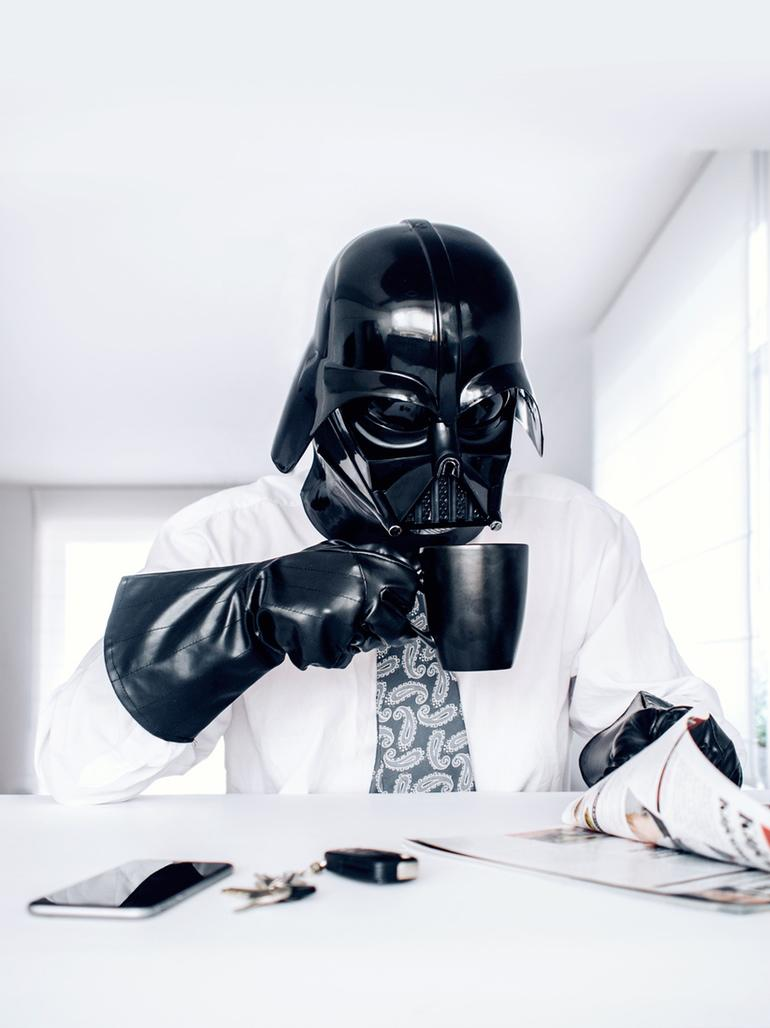 Hilarious photo series shows what Darth Vaderu2019s daily life looks like