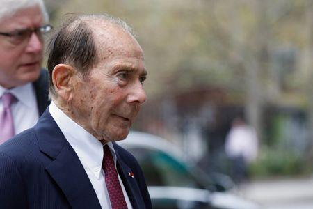 "Maurice ""Hank"" Greenberg, former chairman of American International Group Inc., (AIG) arrives at the New York State Supreme Courthouse in Manhattan, New York City, U.S., September 29, 2016.  REUTERS/Brendan McDermid"
