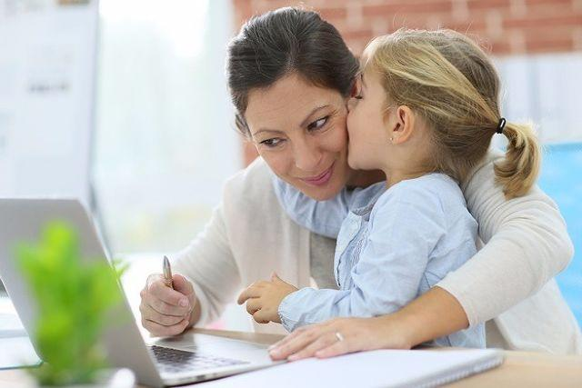 How to Balance your Career and Child the Right Way