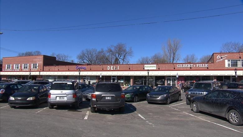 Pointe-Claire merchants reject revamped Valois Village plans over lack of parking
