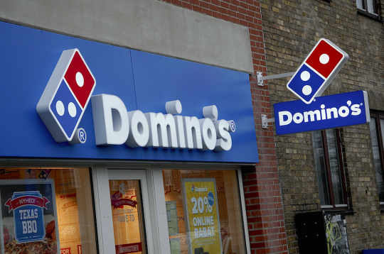 Domino's Pizza Worker 'Beat Up Customer In Row Over ...