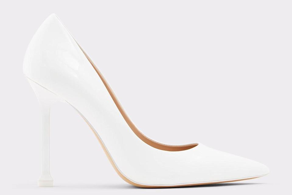 white pumps, heels, stiletto, pointed toe