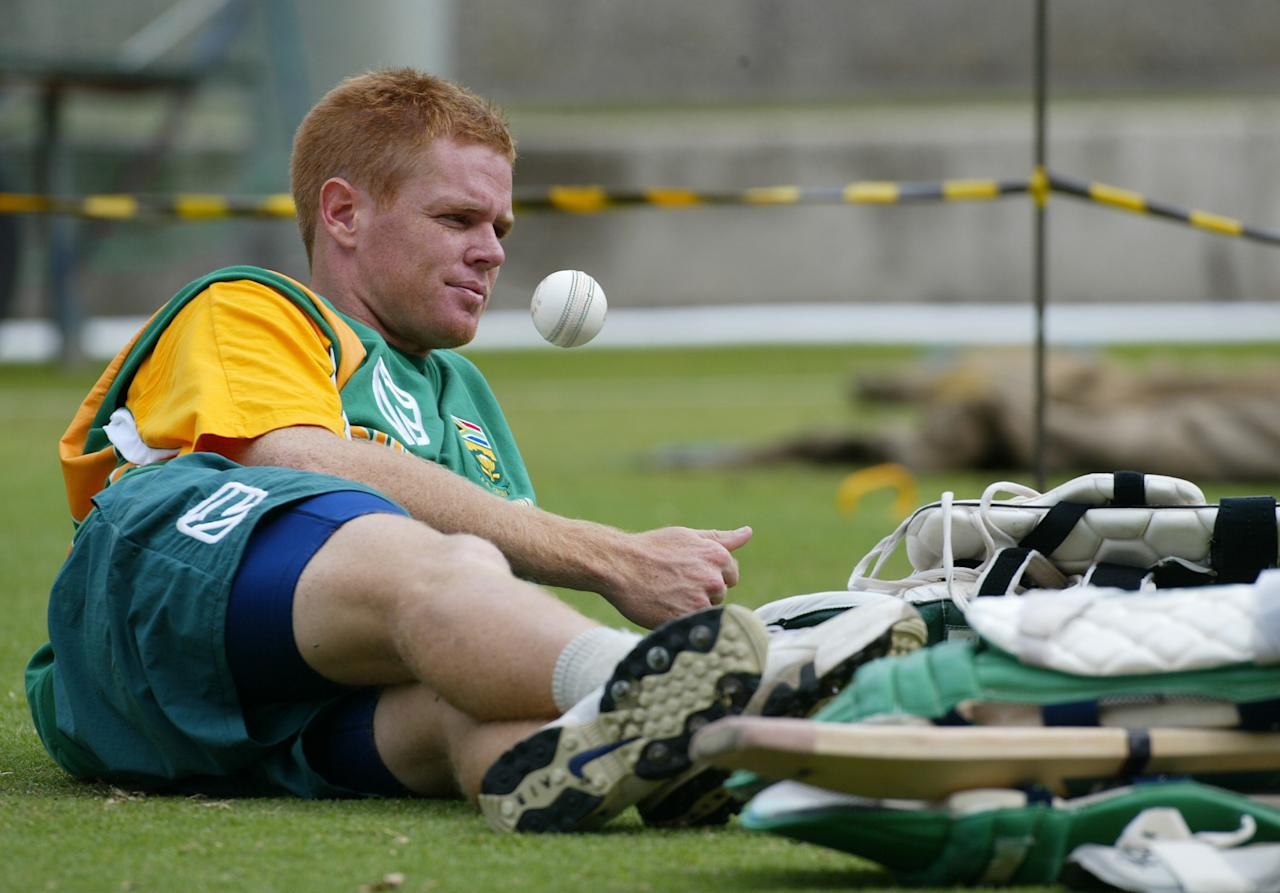 5 Feb 2002:  Shaun Pollock of South Africa takes a break, during training at the Melbourne Cricket Ground, Melbourne, Australia. DIGITAL IMAGE Mandatory Credit: Hamish Blair/Getty Images