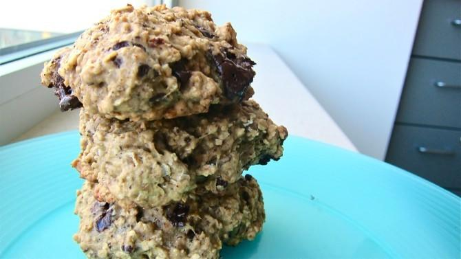 "<p>You shouldn't have to worry about spilling a hot cup of coffee during an 8 am lecture, so just munch on these instead. Get the recipe <a href=""https://spoonuniversity.com/cook/dessert-breakfast-banana-coffee-chip-cookies/?utm_source=yahoo-food&utm_medium=referral&utm_campaign=content-partnerships"" target=""_blank"">here</a>.</p><p><i>Photo by Zoe Holland</i><br /></p>"