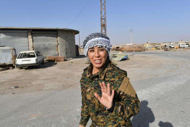 Rojda Felat, a Syrian Democratic Forces (SDF) commander, speaks to an AFP journalist in Raqa on October 8, 2017