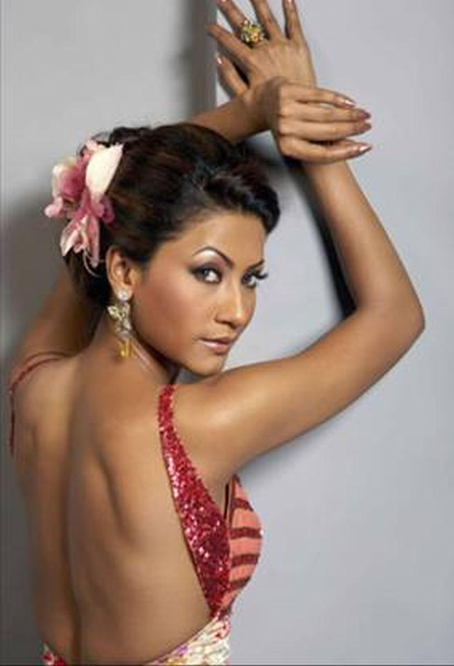 Gauhar's sister, Nigaar has been known for her appearances on TV shows and standup comedy competitions and is another easily recognizable face
