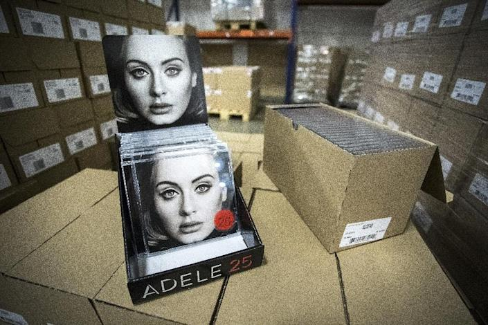 """British singer and songwriter Adele, has sold 1.4 million copies of """"25"""" so far in 2016 (AFP Photo/Alexander Schippers)"""