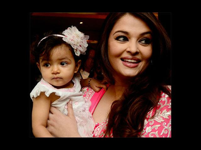 <b>2. Aishwarya Rai: </b>The Bachchan bahu is, needless to say, the most beautiful woman in the world. And, with her now being a proud mommy of Aaradhya in November 2011, she is one of the most beautiful moms in the world! We certainly hope that the little angel got her mom's genes – and we are sure Abhishek hopes so too!