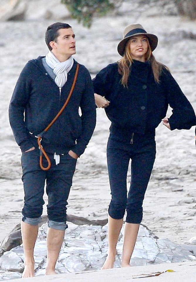 """Orlando Bloom and Miranda Kerr go house hunting in the beach community. The Aussie Victoria's Secret model has been spotted wearing what looks like an engagement ring! <a href=""""http://www.x17online.com"""" target=""""new"""">X17 Online</a> - June 1, 2009"""
