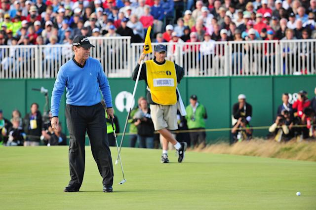 """<div class=""""caption""""> Watson just misses his par putt for victory on the 18th green at Turnberry. </div> <cite class=""""credit"""">Richard Heathcote/Getty Images</cite>"""