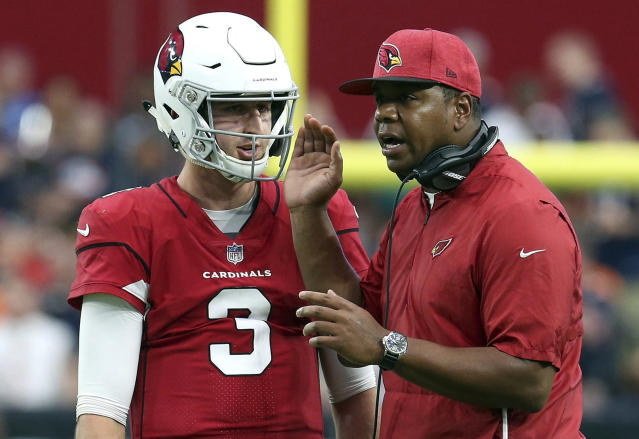The Arizona Cardinals have reportedly fired offensive coordinator Mike McCoy. Byron Leftwich (R) will be promoted to play-caller. (AP)