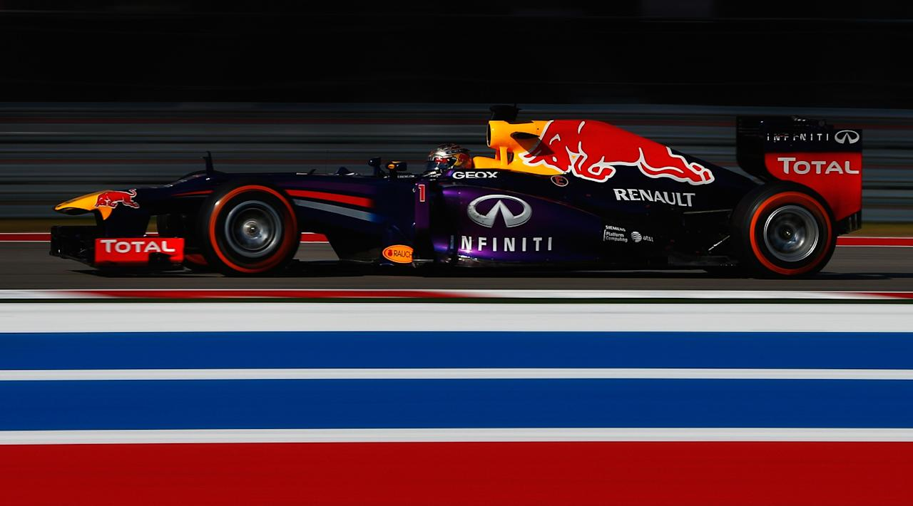 AUSTIN, TX - NOVEMBER 17: Sebastian Vettel of Germany and Infiniti Red Bull Racing leads the field during the United States Formula One Grand Prix at Circuit of The Americas on November 17, 2013 in Austin, United States. (Photo by Tom Pennington/Getty Images)