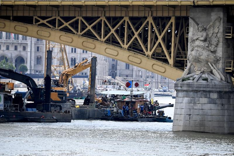 Timelapse captures sunken Budapest tour boat being pulled out of Danube River