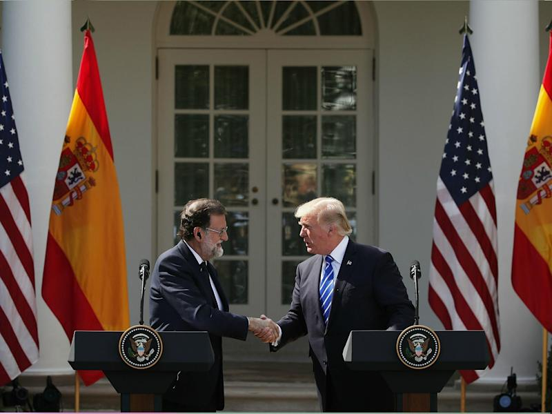 Donald Trump and Spanish Prime Minister Mariano Rajoy shake hands during a joint news conference at White House 26 September: Getty