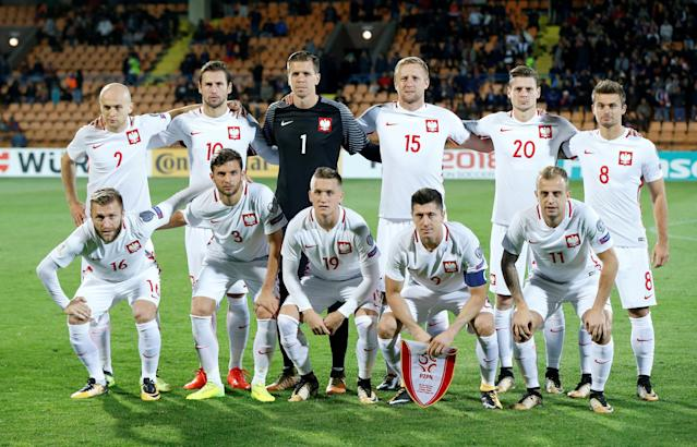 FILE PHOTO: Soccer Football - 2018 World Cup Qualifications - Europe - Armenia vs Poland - Vazgen Sargsyan Republican Stadium, Yerevan, Armenia - October 5, 2017 Poland team group before the match REUTERS/David Mdzinarishvili/File Photo