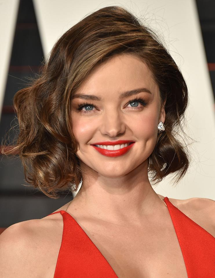"""<a rel=""""nofollow"""" href=""""http://www.dailymail.co.uk/tvshowbiz/redcarpetau/article-3001367/A-look-inside-Miranda-Kerr-s-hangbag.html"""" rel="""""""">Kerr counts noni juice</a>, goji berries, chia seeds, and maca powder as integral parts ofstaying healthy."""