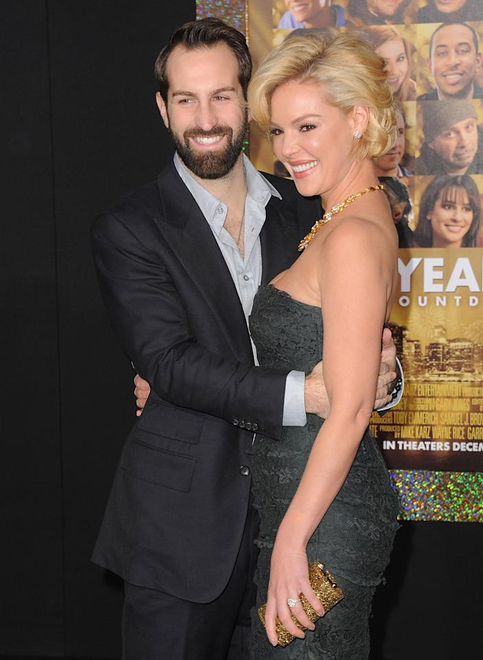 """<a href=""""http://movies.yahoo.com/movie/contributor/1810090250"""">Josh Kelley</a> and <a href=""""http://movies.yahoo.com/movie/contributor/1800018759"""">Katherine Heigl</a> at the Los Angeles premiere of <a href=""""http://movies.yahoo.com/movie/1810219047/info"""">New Year's Eve</a> on December 5, 2011."""