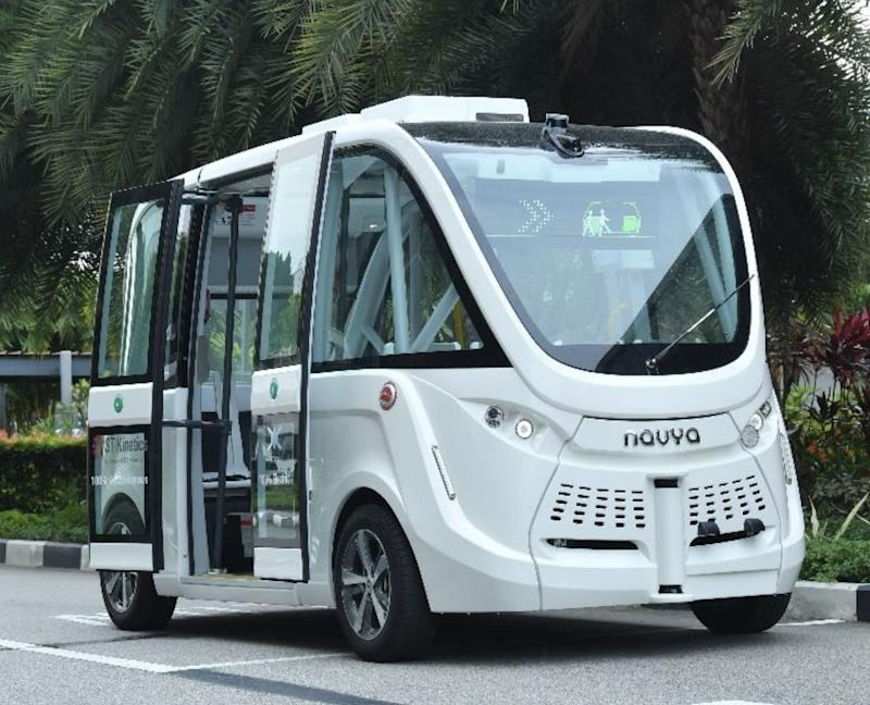 Views of the self-driving shuttle. (Photo: Sentosa)