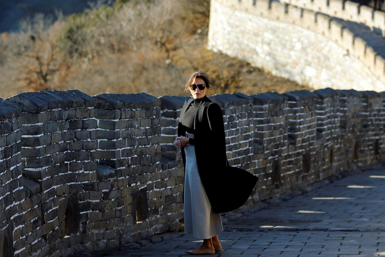 <p>First Lady Melania Trump visits the Mutianyu section of the Great Wall of China, in Beijing, Nov.10, 2017. (Photo: Thomas Peter/REuters) </p>